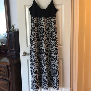 NWT. Putumayo Isabella Maxi Dress